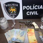 """Polícia Civil de Assú prende dupla suspeita de comandar """"boca de fumo"""""""