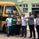 Jardim de Piranhas recebe mais um ônibus do programa Caminhos da Escola