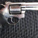 Denarc de Mossoró prende homem com revólver